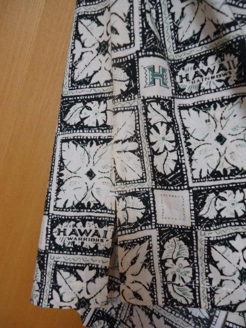 即決 ハワイ ハワイ大学 アロハシャツ 黒色 ロゴ・ハワイアンキルト・花・葉っぱ柄 子供 140-150_画像5