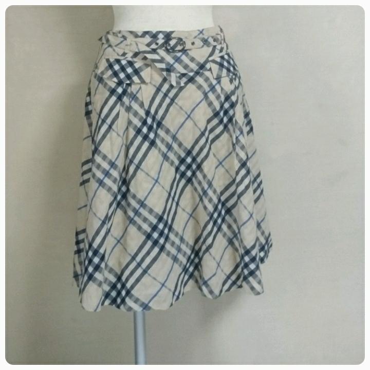バーバリー ブルーレーベル スカート ノバチエック サイズ38_画像1