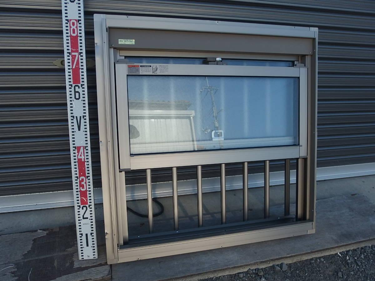 在庫品 アルミサッシ ペアガラス 上げ下げ窓 07407 シャイングレー 縦格子_画像3