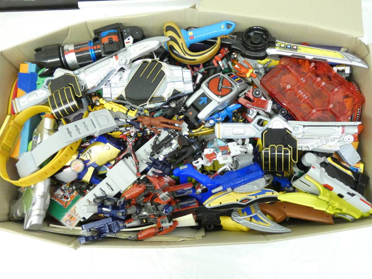 U997/男の子おもちゃ玩具 大量まとめ売り 仮面ライダー・戦隊・ 武器・付属品・ソフビ他_画像2
