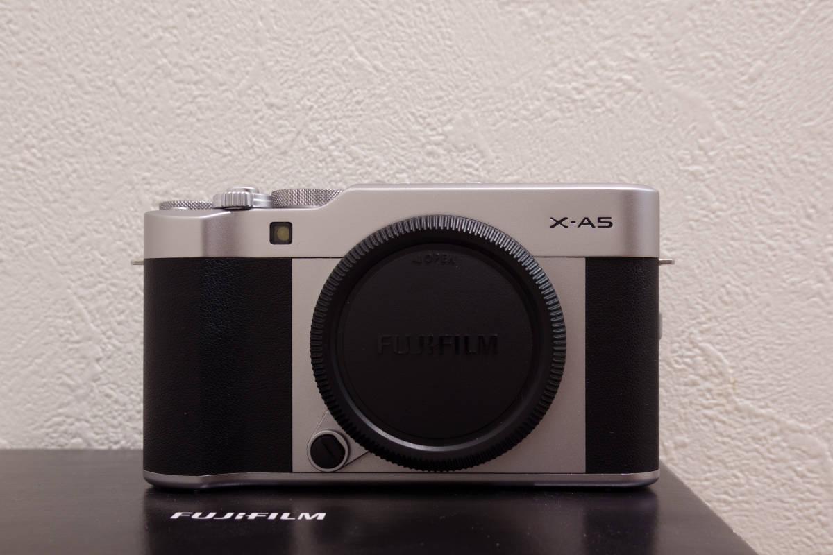 フジフイルム ミラーレスカメラ FUJIFILM X-A5 ボディ シルバー APS-C 中古_画像3