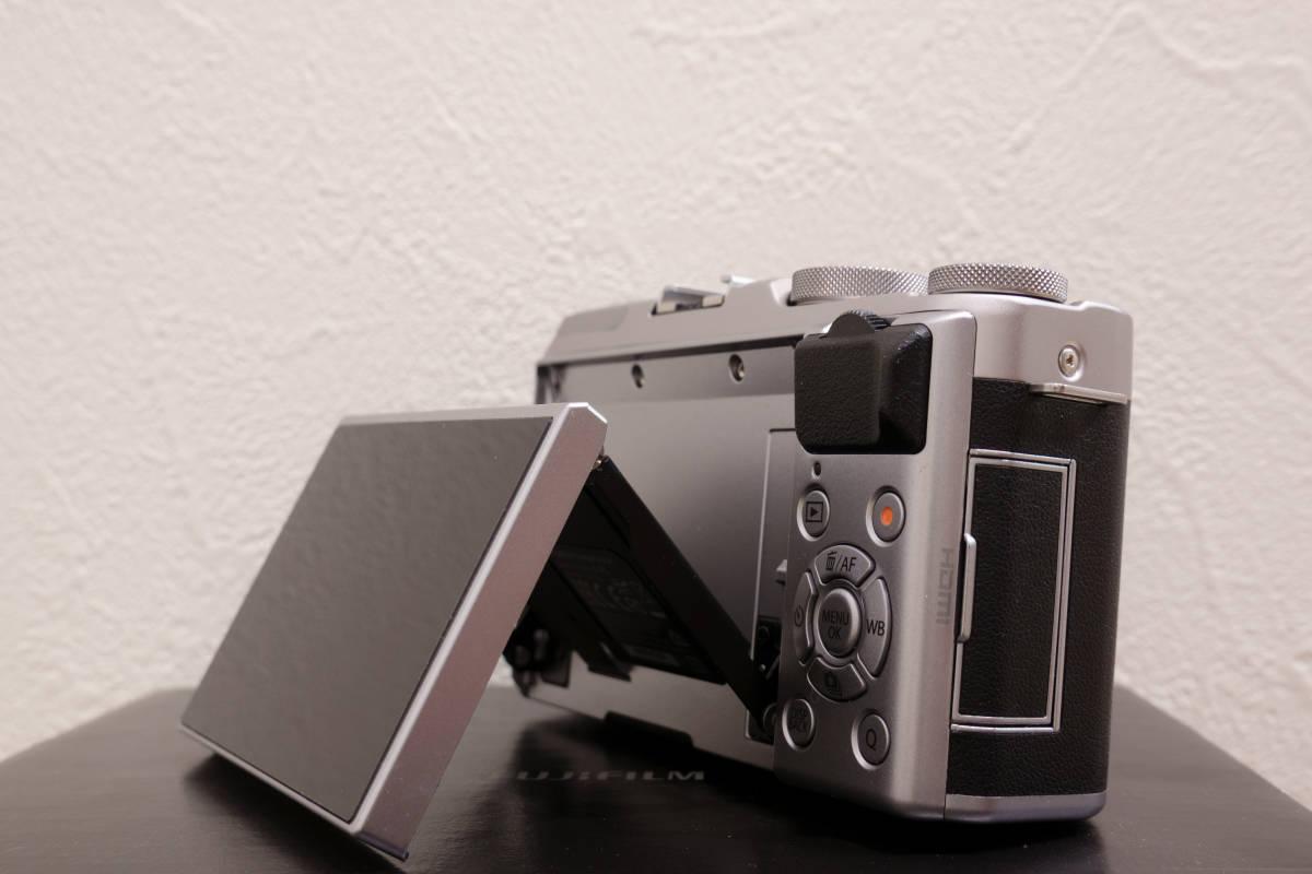 フジフイルム ミラーレスカメラ FUJIFILM X-A5 ボディ シルバー APS-C 中古_画像8