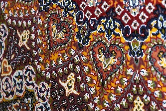 ∇花∇最高級ペルシャ絨毯① クム産超高級シルク100% 細密手織の大判 200×200cm 発表価格1300万円の超極上品_画像4