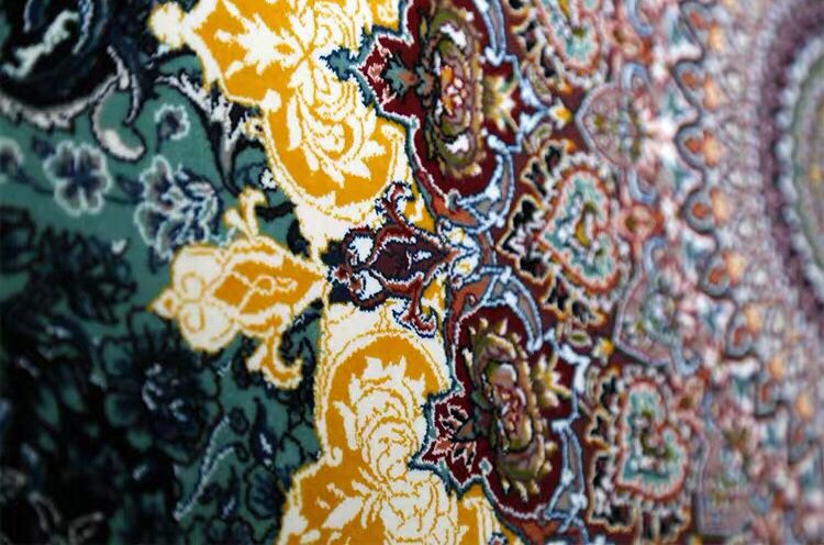 ∇花∇最高級ペルシャ絨毯① クム産超高級シルク100% 細密手織の大判 200×200cm 発表価格1300万円の超極上品_画像3
