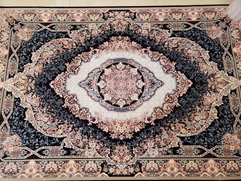 未使用品 ペルシャ絨毯 クム産 300万 シルク100% 手織り 工房サイン有り 超美品 世界の名品☆200*300CM_画像3