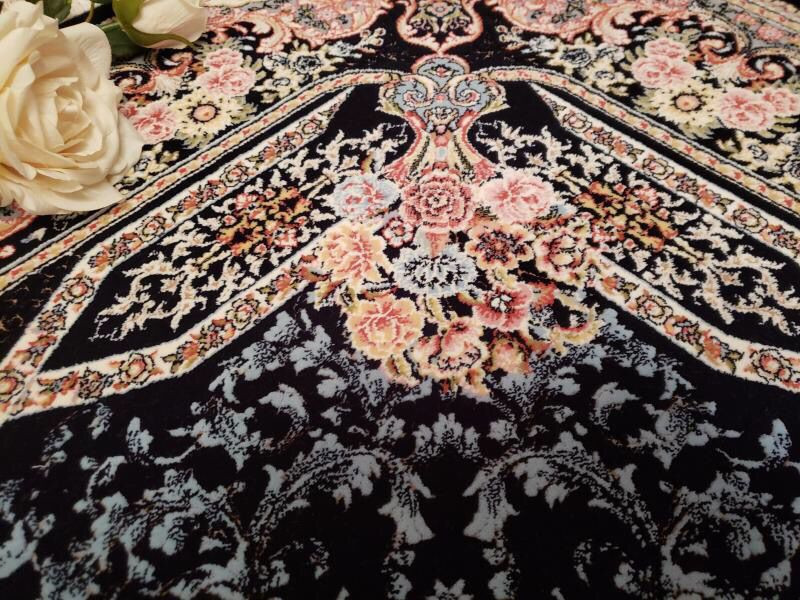 未使用品 ペルシャ絨毯 クム産 300万 シルク100% 手織り 工房サイン有り 超美品 世界の名品☆200*300CM_画像4