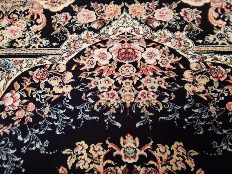 未使用品 ペルシャ絨毯 クム産 300万 シルク100% 手織り 工房サイン有り 超美品 世界の名品☆200*300CM_画像5