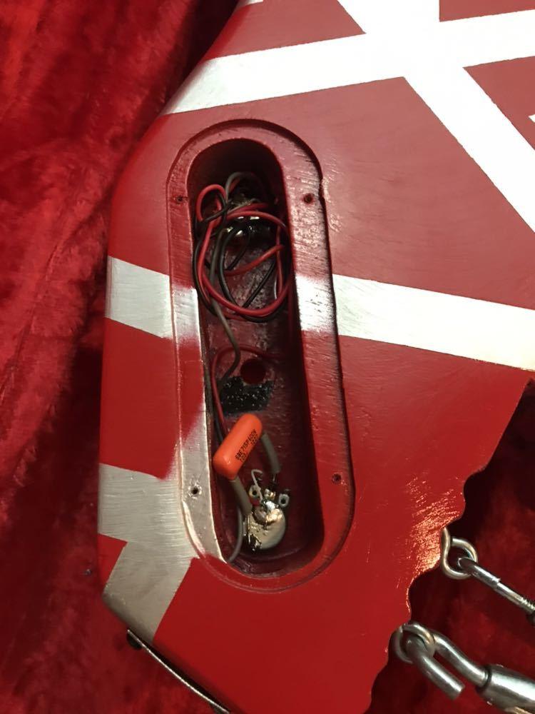 エクスプローラー改造カスタム evh シャークモデルラッカー塗装 弾きやすいです。売り切 セットネック_画像5