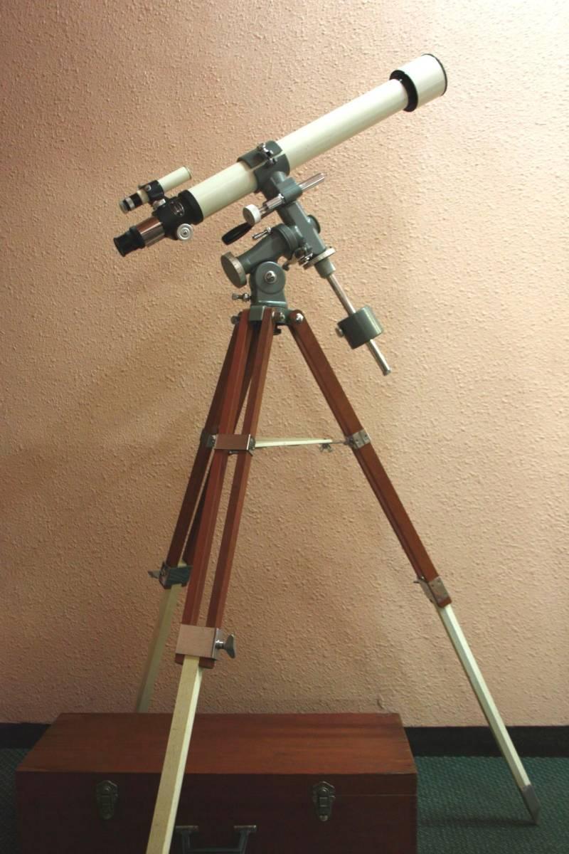 タカハシ(高橋製作所)65㎜ 屈折望遠鏡 V-1 型 赤道儀 三脚等一式 木箱入り