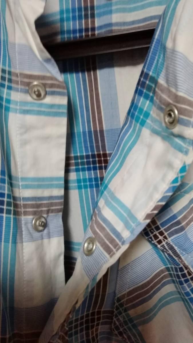 ☆AMERICAN EAGLE OUTFITTERS (アメリカンイーグル アウトフィッターズ) 男性用長袖シャツ XS(実際はM~L?) 水色チェック柄 中古美品☆_画像6