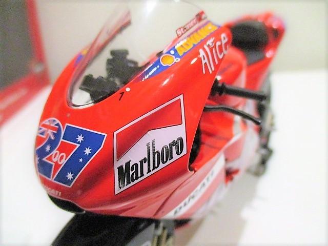 1/12 Minichamps ドゥカティ Desmo 16 GP7 C.ストーナー Ducati Marlboro Team Moto GP 2007 チャンピオン タバコ仕様_画像7