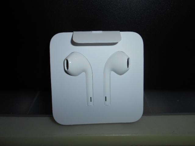 【未使用・新品】Apple アップル 純正 iPhone8 イヤホン 変換アダプタ付き
