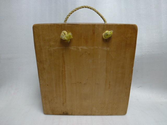 ◆壁掛け 木彫り◆ 葡萄を咥えた熊 置物◆ 北海道 アイヌ 民芸品◆_画像2