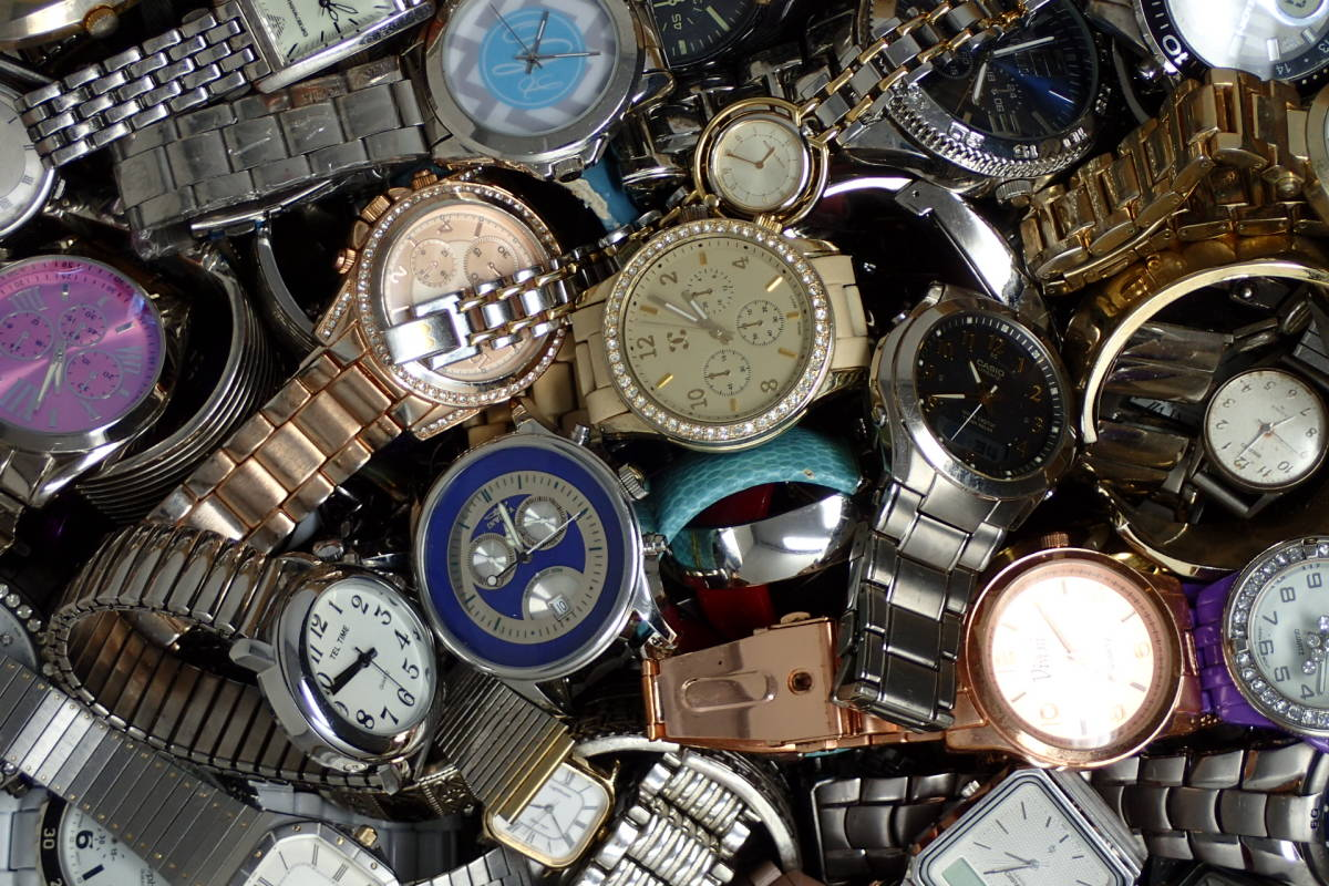 ●ジャンク腕時計セットまとめ 15.1kg 大量300点以上 一円スタート 稼働品多数!!SEIKO INVICTA EMPORIO ARMANI_画像6