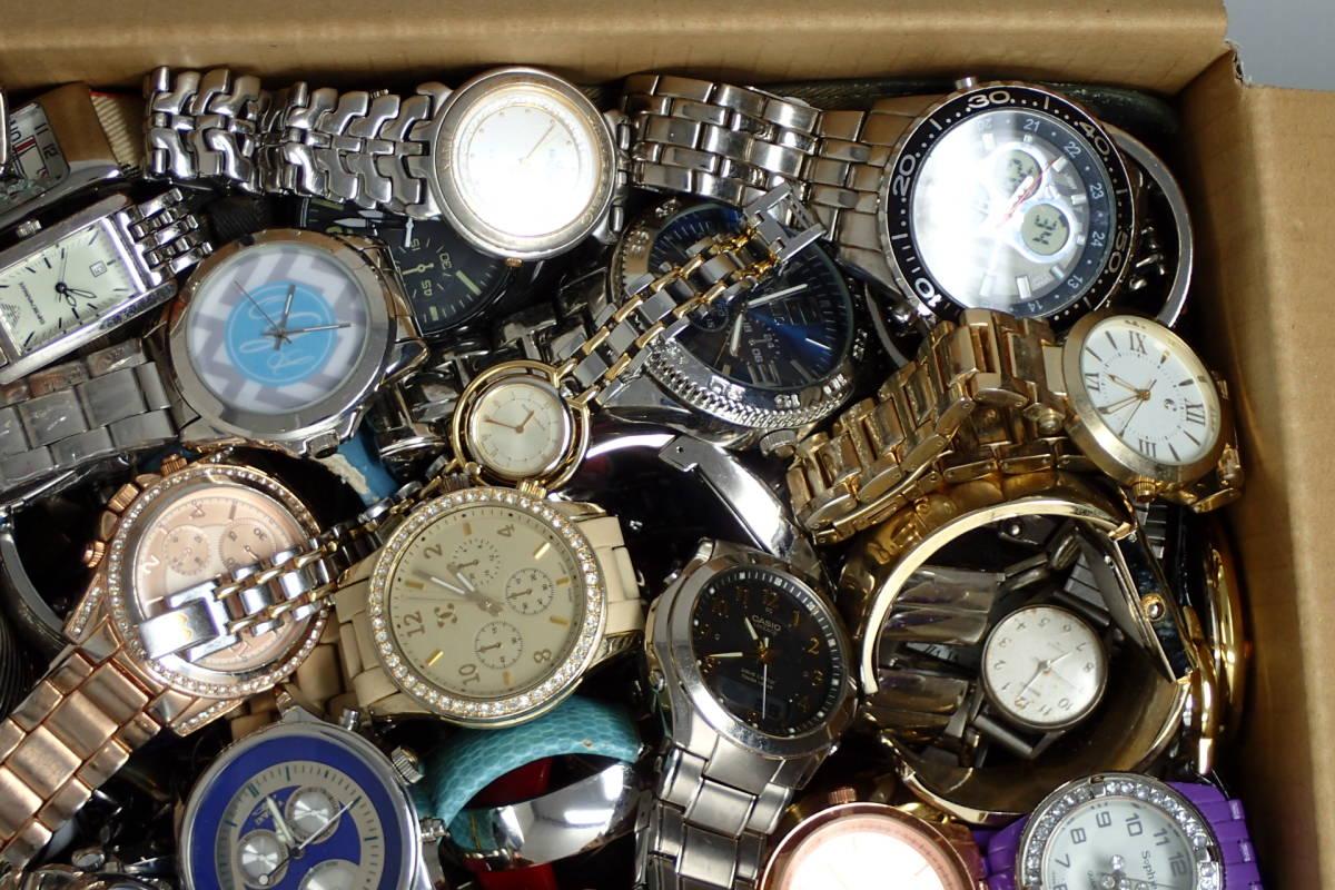 ●ジャンク腕時計セットまとめ 15.1kg 大量300点以上 一円スタート 稼働品多数!!SEIKO INVICTA EMPORIO ARMANI_画像2