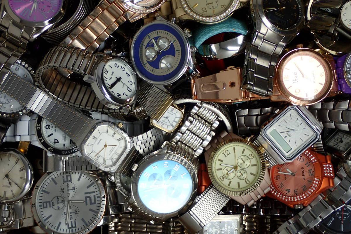 ●ジャンク腕時計セットまとめ 15.1kg 大量300点以上 一円スタート 稼働品多数!!SEIKO INVICTA EMPORIO ARMANI_画像9