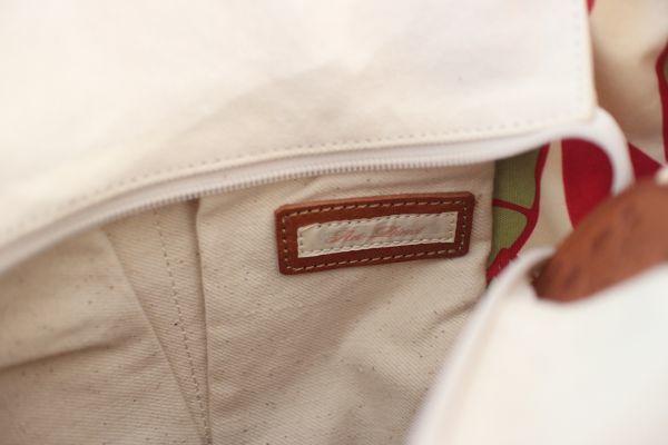 未使用 新品同様 アートディレクト 白 グリーン 茶 トートバッグ 帆布 ショルダー 2way マザーズバッグ ポケット多数 牛革使用_画像7