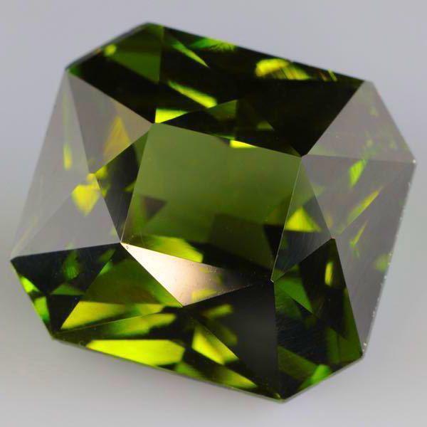 大粒 天然 無処理 非加熱 美しいグリーンジルコン ルース 3.966ctソーティング付きnatural unheat zircon_画像4
