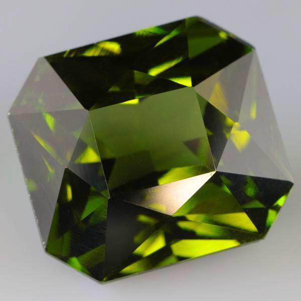 大粒 天然 無処理 非加熱 美しいグリーンジルコン ルース 3.966ctソーティング付きnatural unheat zircon_画像3