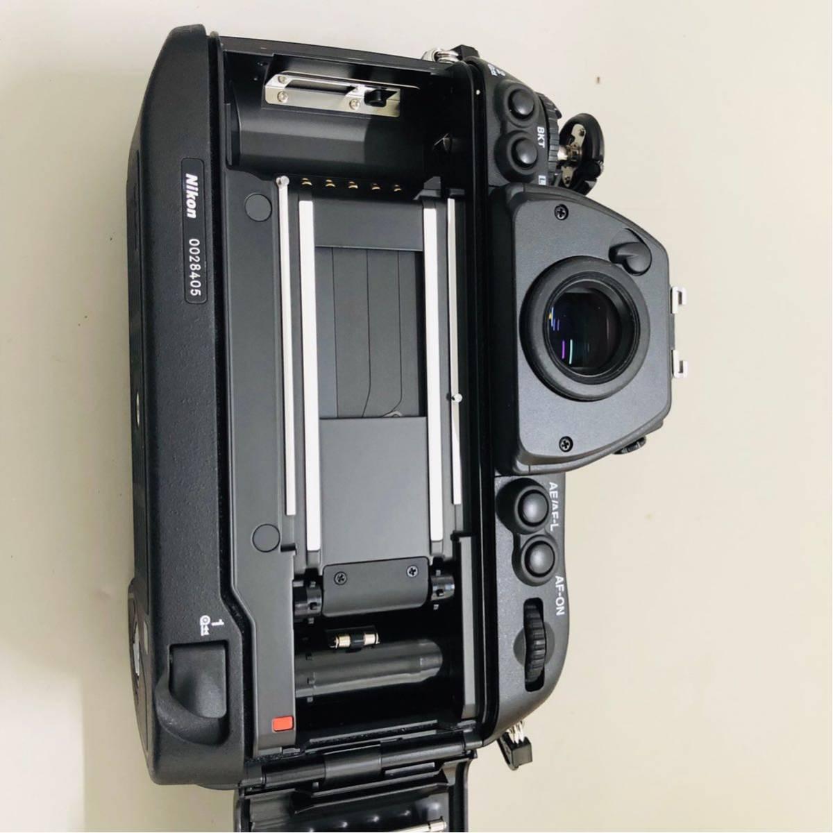 【コレクター放出品】Nikon ニコン F6 ボディ 箱付き シリアル一致元箱 _画像4