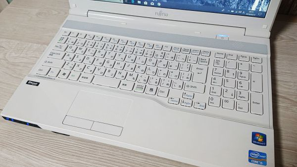【超爆速大容量SSD+綺麗アーバンホワイト】Windows10☆富士通 AH45/H☆Core i5-3210M(ターボ)☆新品SSD500GB/8GB/Webcam/Blu-ray/Bluetooth_画像2