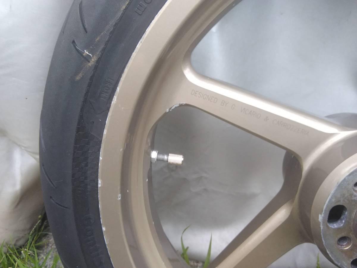 タイヤレバーの跡あります。