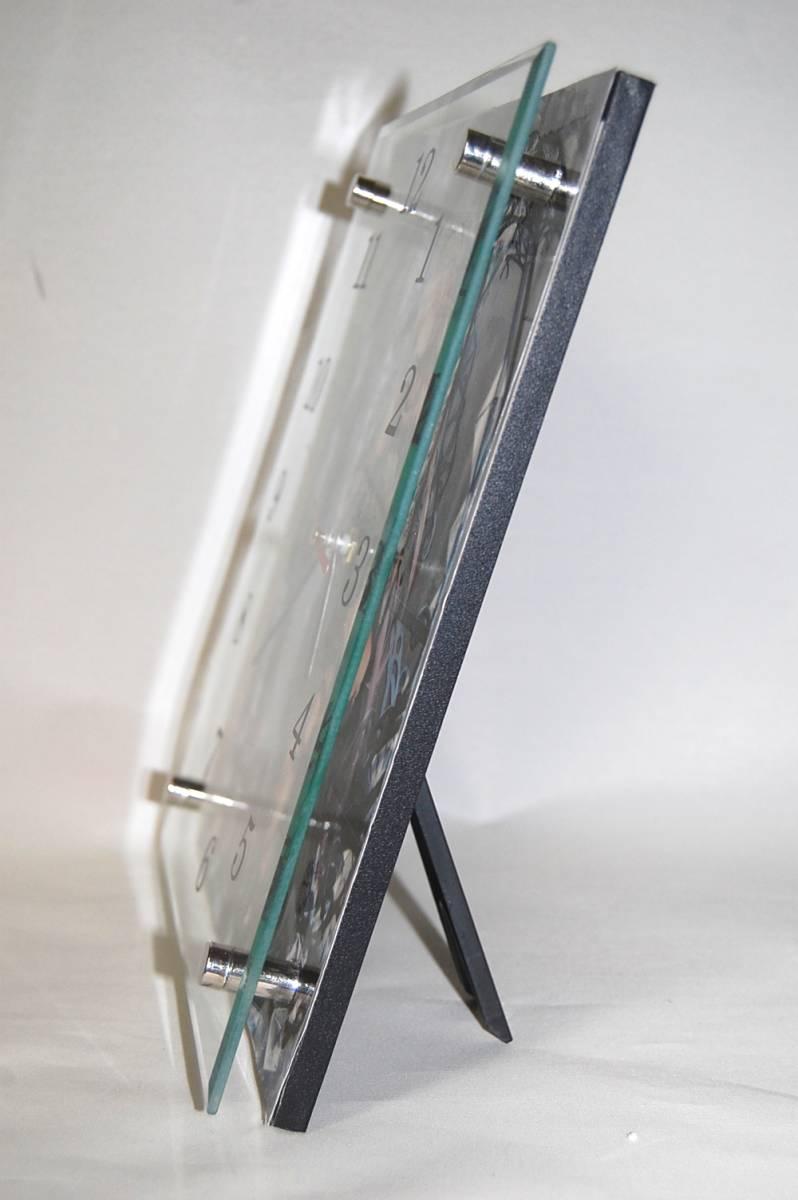 51新品●T904★冴えない彼女の育てかた★ ガラス製 置/掛 時計 20×25cm _画像2