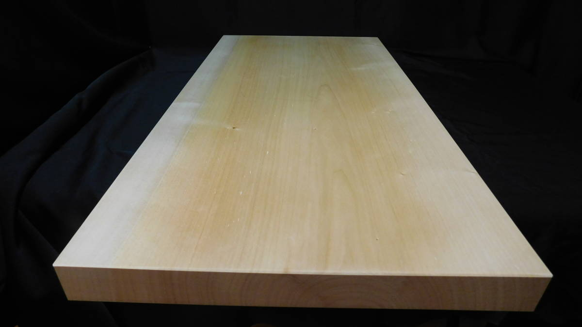 ■銀杏(いちょう)のまな板 一枚板研磨済み (大型)-3  長さ約61.2㎝ 幅約30.5㎝ 高さ約3.2㎝_画像4