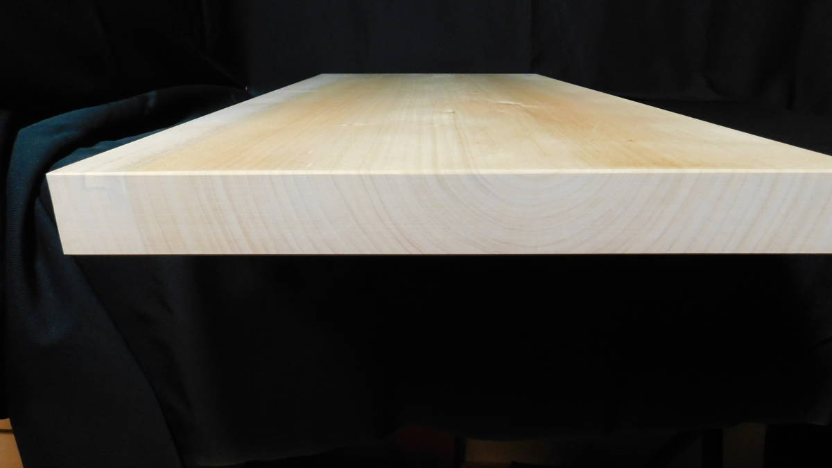 ■銀杏(いちょう)のまな板 一枚板研磨済み (大型)-3  長さ約61.2㎝ 幅約30.5㎝ 高さ約3.2㎝_画像9
