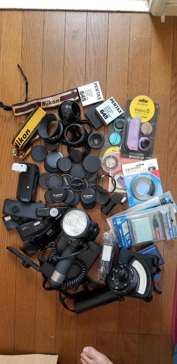 カメラ フード、キャップ、その他大量、ジャンク扱い