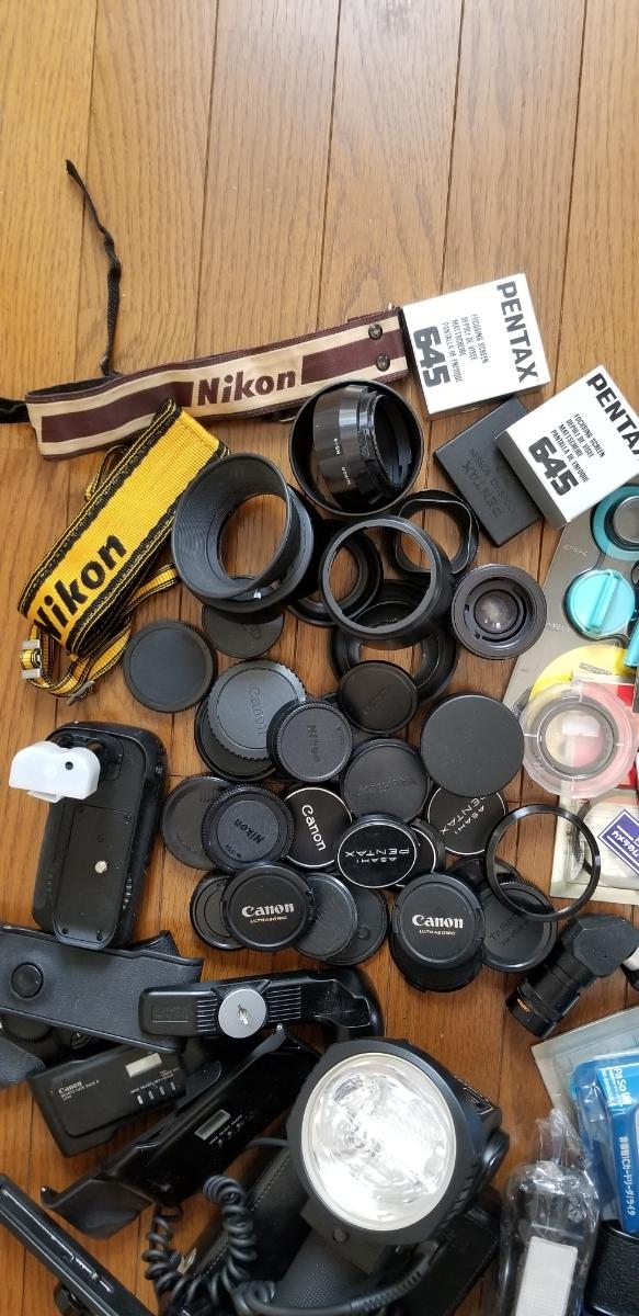 カメラ フード、キャップ、その他大量、ジャンク扱い_画像2