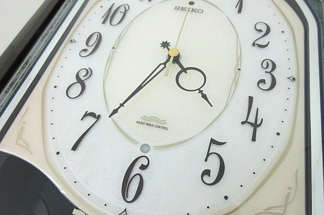 t99■【SEIKO セイコー】 電波からくり時計 RE560M 掛け時計_画像3