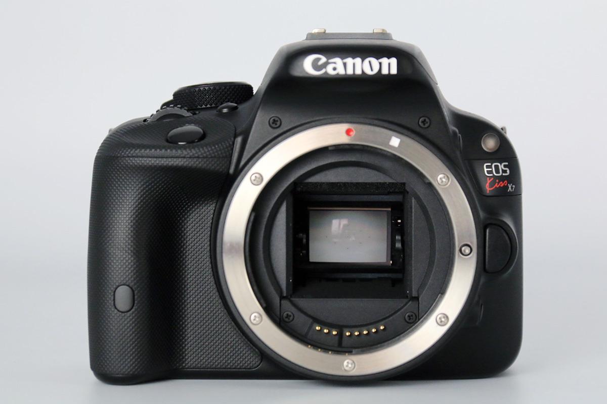 【S数2100回の美品★大手量販店長期保証残有】Canon EOS Kiss X7 ダブルズームキット EF-S18-55mm IS STM & 55-250mm IS Ⅱ レンズポーチ付_画像3