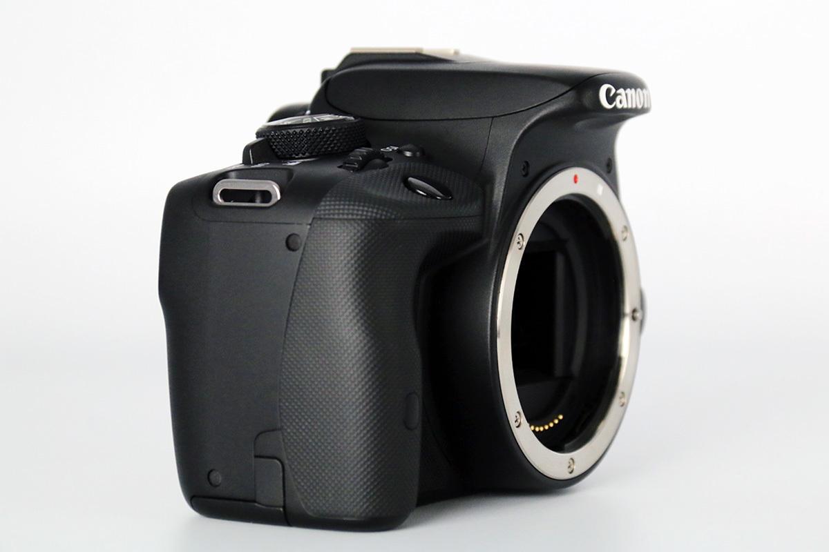 【S数2100回の美品★大手量販店長期保証残有】Canon EOS Kiss X7 ダブルズームキット EF-S18-55mm IS STM & 55-250mm IS Ⅱ レンズポーチ付_画像4