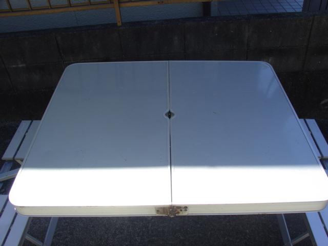 コールマン  アルミピクニックテーブル と不明ミニテーブル_画像2