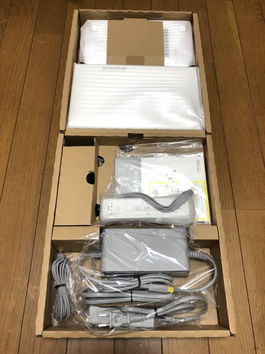 ★新品同様 完品★ Wii U マリオカート8セット 画面傷なし オマケでコントローラモーションプラス、ハンドル2個付き_画像2