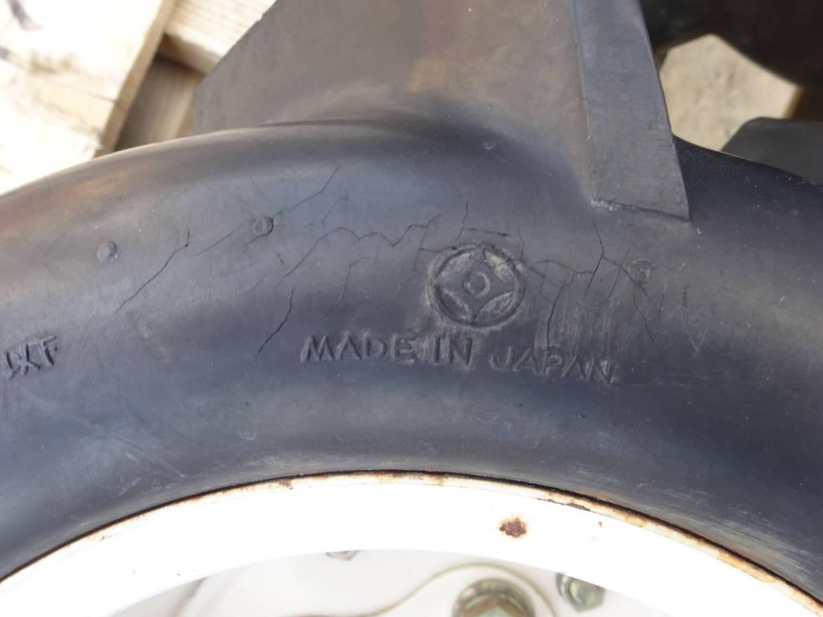 バインダータイヤ 18X9.0-8 オーツ 2本ですが1本の値段で出品 中1本おまけ 取り付部丸 直径約 25mm チューブレス エアー漏れなし_画像3
