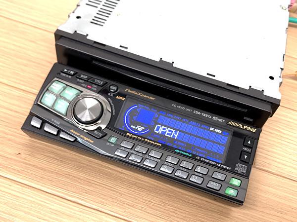 ★ALPINE CDA-7897J CDプレーヤー 車載 1DIN アルパイン★_画像3