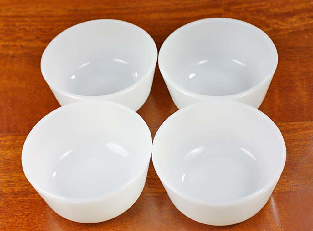 ファイヤーキング カスタードカップ ミルクホワイト 4個セット 耐熱 デザートカップ ビンテージ アメリカ製