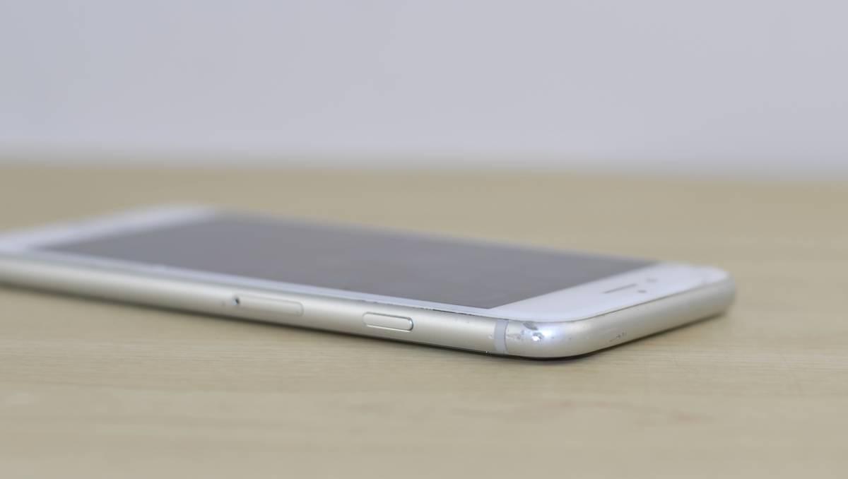 1円~ジャンク品 SIMフリー iPhone8 256GB MQ852J/A 送料 クリックポスト185円 転売OK_画像6