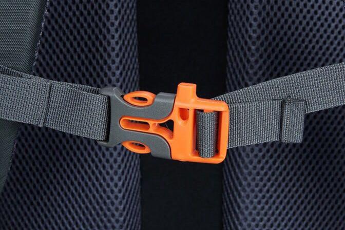 登山リュック バックパック 大型リュック 50L 軽量 大容量 ナイロン アウトドア ハイキング 旅行用 釣り ダイビング BN-11_画像3