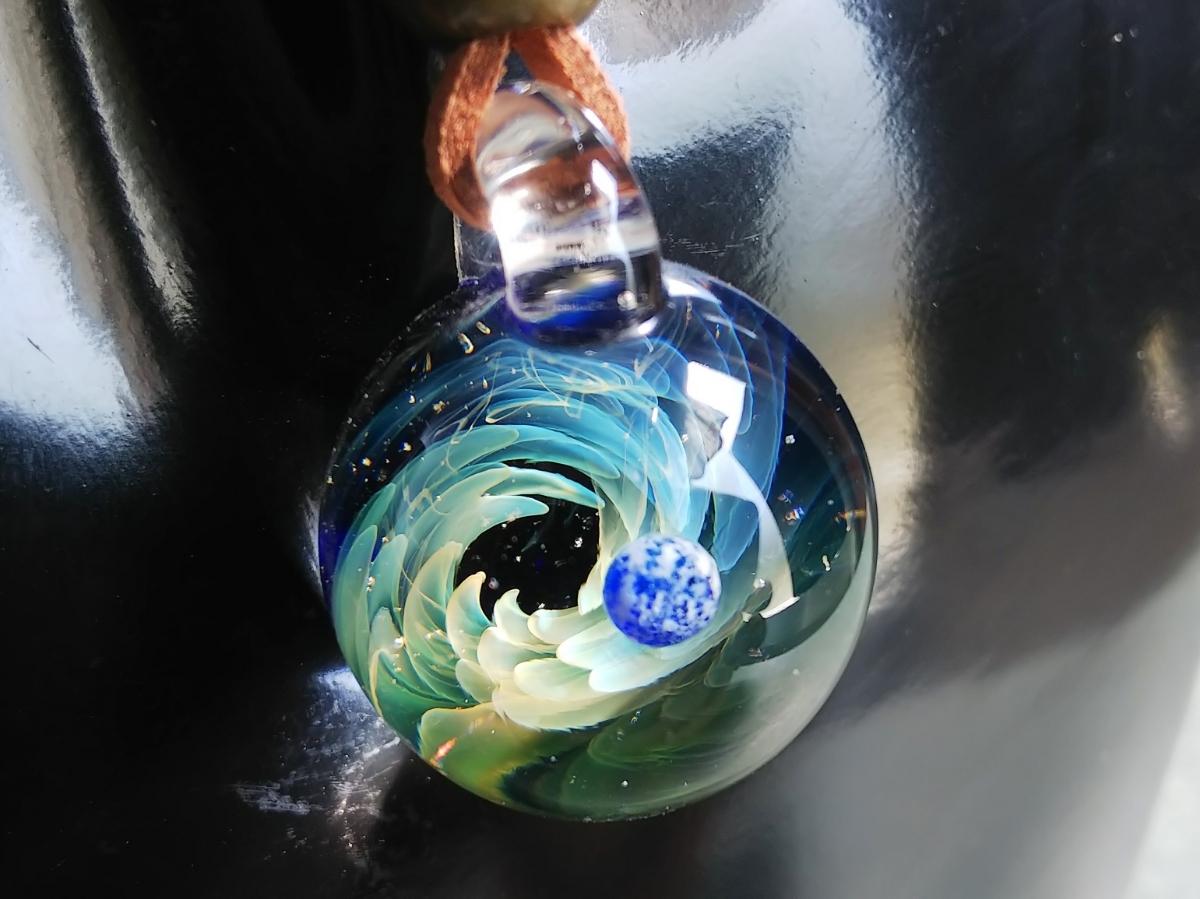 y-297 ☆≪ オミグラ! ≫ 宇宙 ガラス 地球 「 ジェネシス 」アクセサリー ペンダント ネックレス チョーカー ☆_画像7