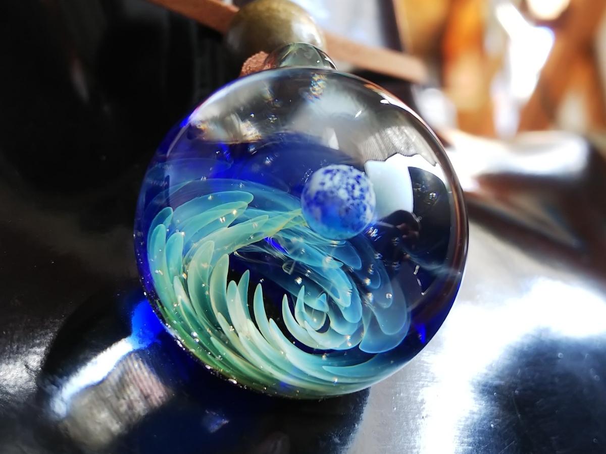 y-297 ☆≪ オミグラ! ≫ 宇宙 ガラス 地球 「 ジェネシス 」アクセサリー ペンダント ネックレス チョーカー ☆_画像5