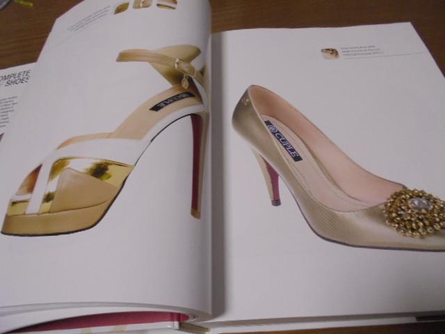 洋書The Complete Book of Shoes 世界のショーデザイナーシューズ写真集  豪華で贅沢な靴デザイン プロのワードロープ _画像8