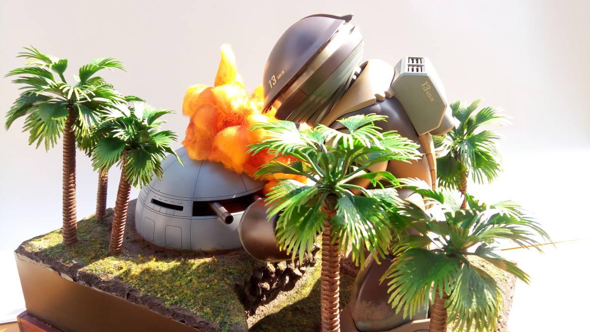 ◆アッガイ 自作電飾ジオラマ完成品 1/100アクリルケース付(ファーストガンダム)_画像2