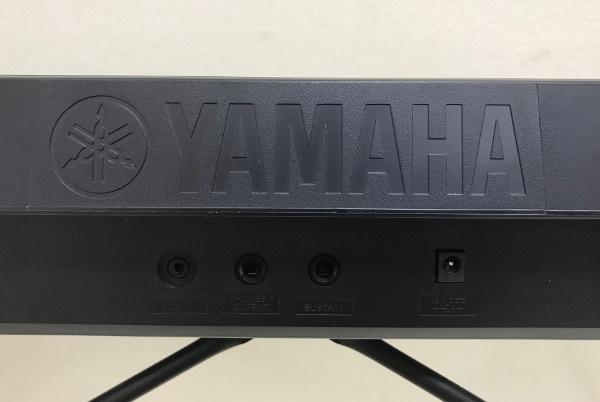 美品【使用極僅か 2019年製】YAMAHA ヤマハ PORTATONE ポータトーン【PSR-E263】スタンド・譜面立て ACアダプター付 キーボード 電子ピアノ_画像8