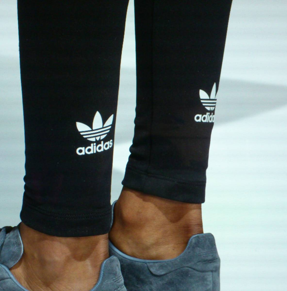 完売・アディダスジャパン正規・黒OTサイズ・新品タグ付 adidas Originals adicolor トレフォイル ロゴ タイツ・レギンス(CW5076)送料¥185_画像4