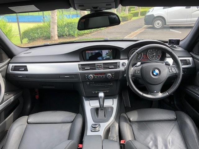BMW335iツーリング Mスポーツパッケージ サンルーフ 黒レザー HDDナビ フルセグTV アドバンレーシング19インチアルミ_画像9