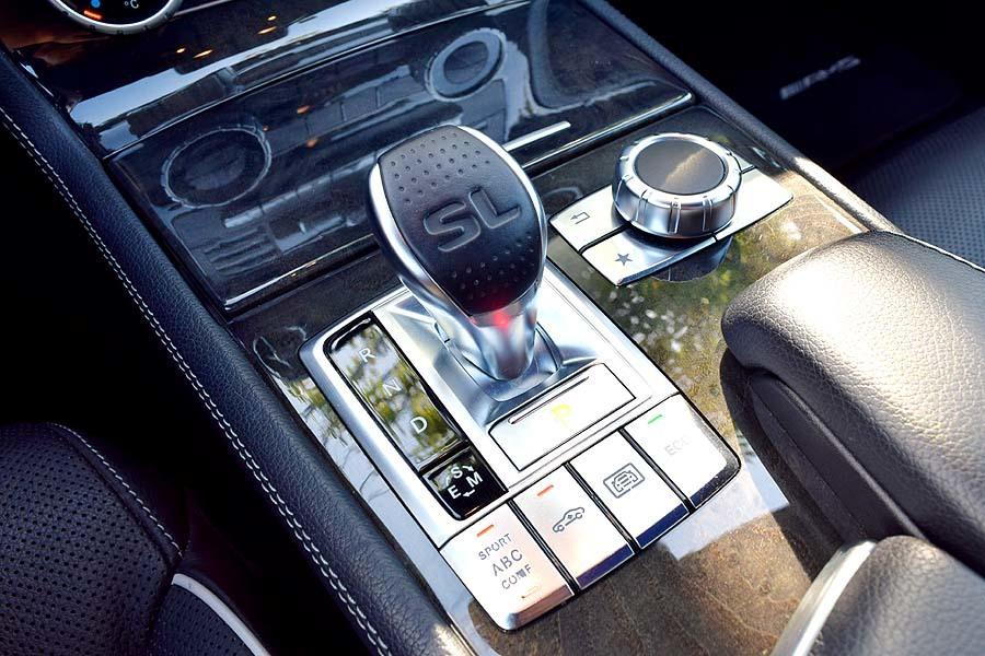 ガレージ保管 ディーラー完全メンテナンス済 メルセデスベンツSL350BE AMGスポーツP 最高級ロードスター 是非現車確認如何ですか?_画像6