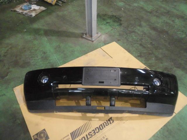 【LM44】 平成16年式 レンジローバー 純正 フロントバンパー フォグ付き ホースメント付き 黒色 中古品